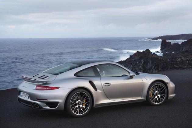 2014 Porsche 911 Turbo rear revealed