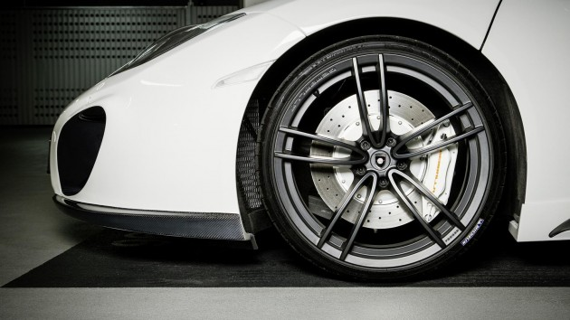 Gemballa McLaren MP4-12C Spider-20in front wheels