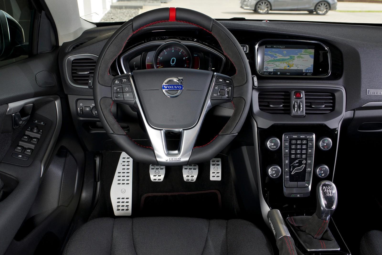 Heico Sportiv Volvo V40 T3 Pirelli interior |