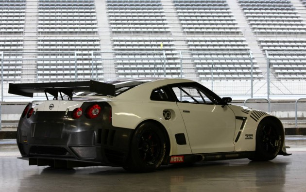 Nismo Nissan GT-R racer-rear