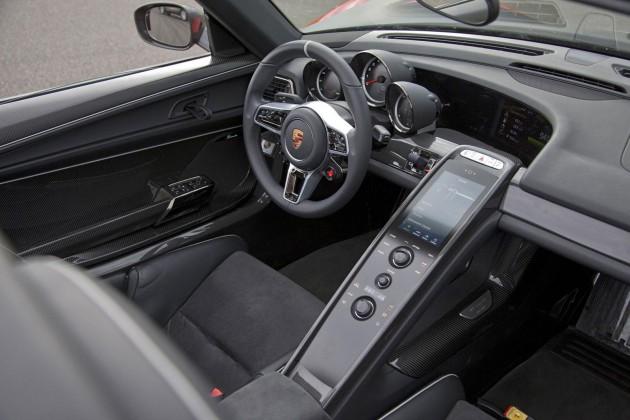 Porsche 918 Spyder interior