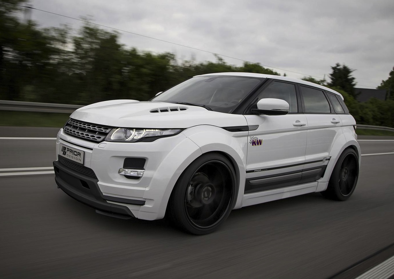 prior design range rover evoque 39 pd650 39 widebody kit performancedrive. Black Bedroom Furniture Sets. Home Design Ideas