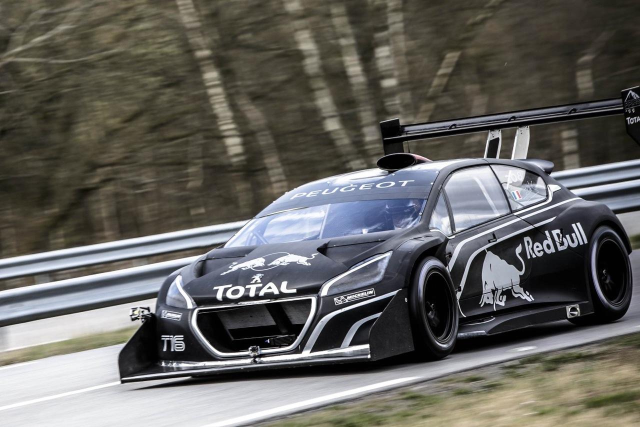 Video: Sebastien Loeb's First Test Drive In The Peugeot