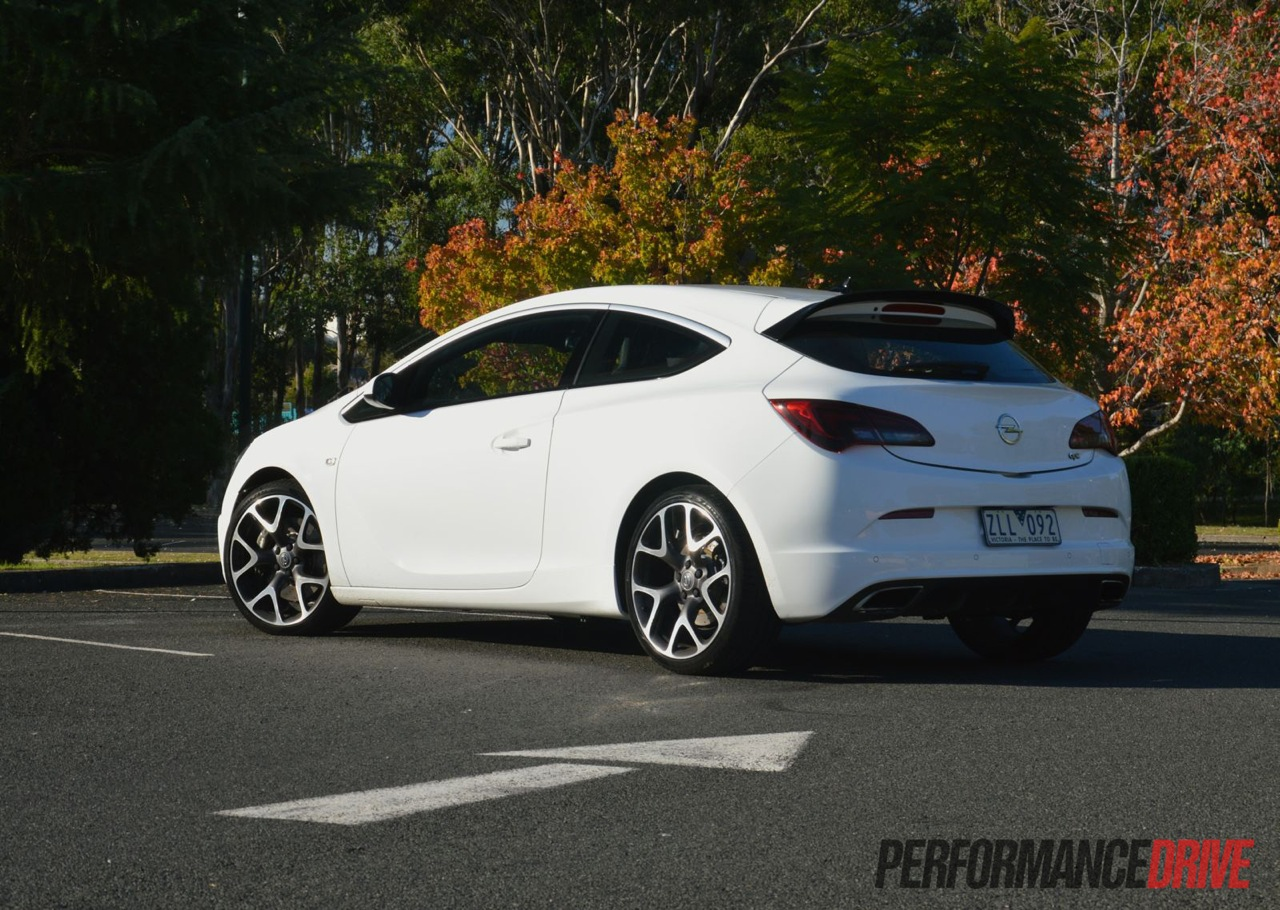 opel astra opc review video performancedrive