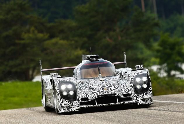 2014 Porsche LMP1 driving