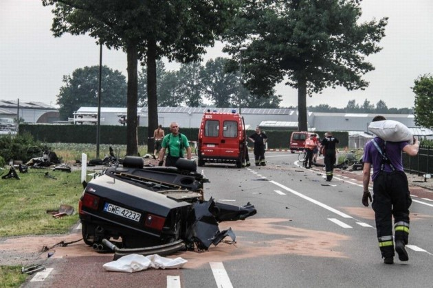 Audi S8 crash splits car in half-Netherlands-1