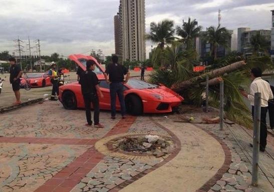 Lamborghini Aventador crash-Thailand-
