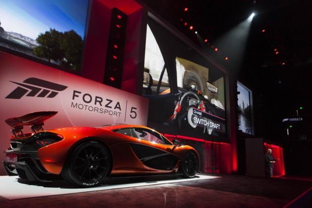 McLaren P1-Forza 5-E3 show