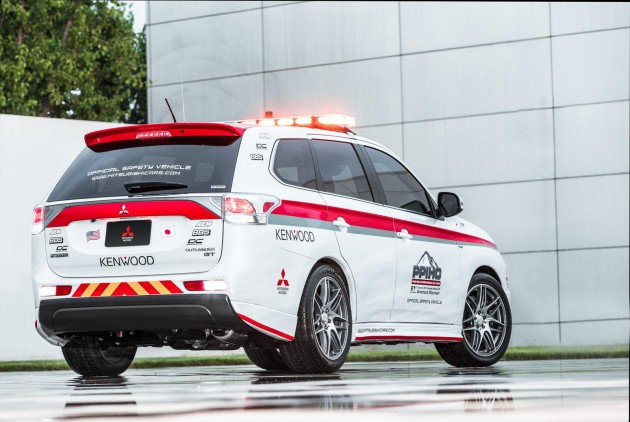 Mitsubishi Outlander Pikes Peak safety car