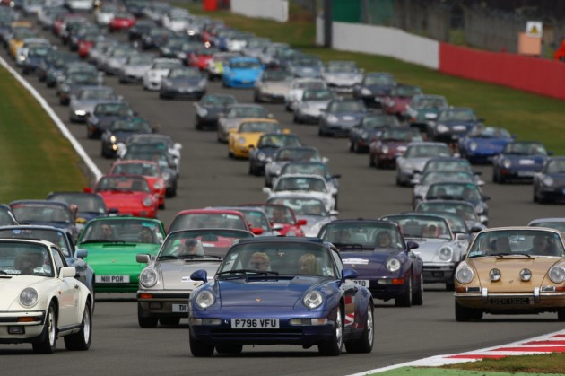 2013 Porsche 911 record parade at Silverstone