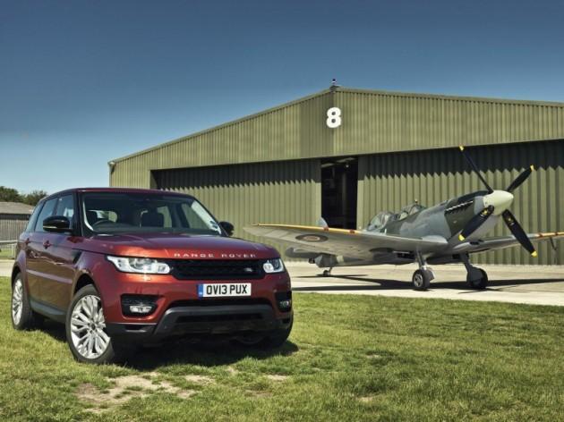 2013 Range Rover Sport vs Spitfire plane-race