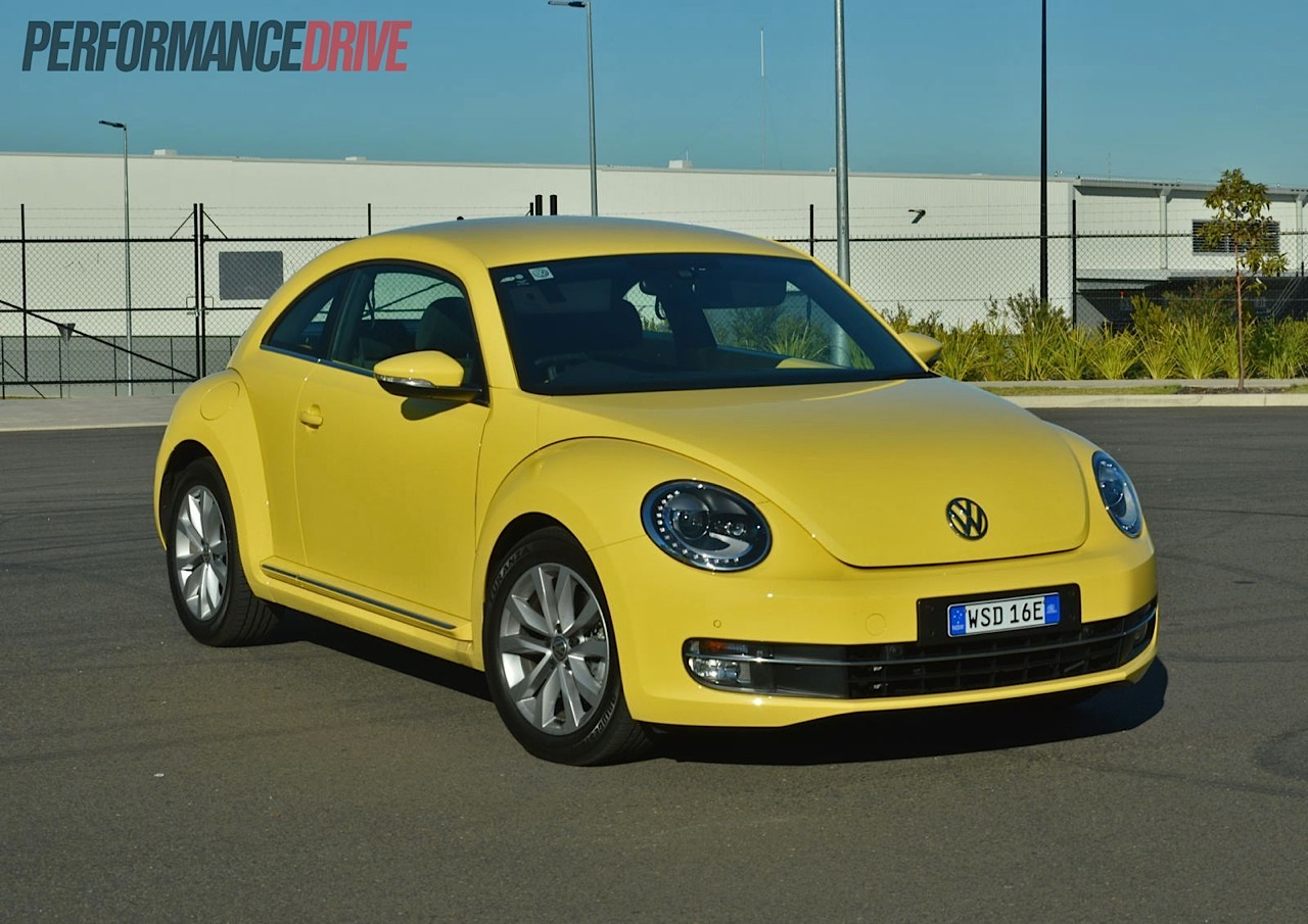 2013 volkswagen beetle review video performancedrive. Black Bedroom Furniture Sets. Home Design Ideas