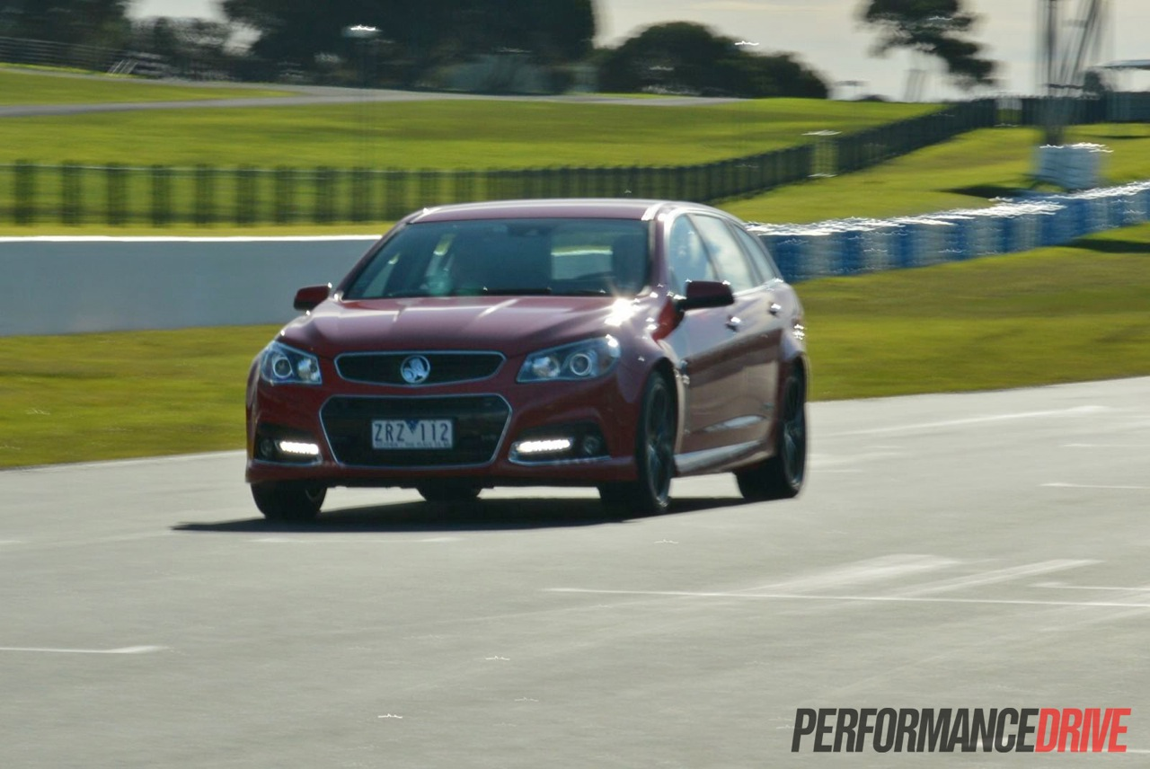 2014 holden vf commodore sportwagon image collections hd cars 2014 holden vf commodore ss v redline review track test video 2014 holden vf commodore ss vanachro Images