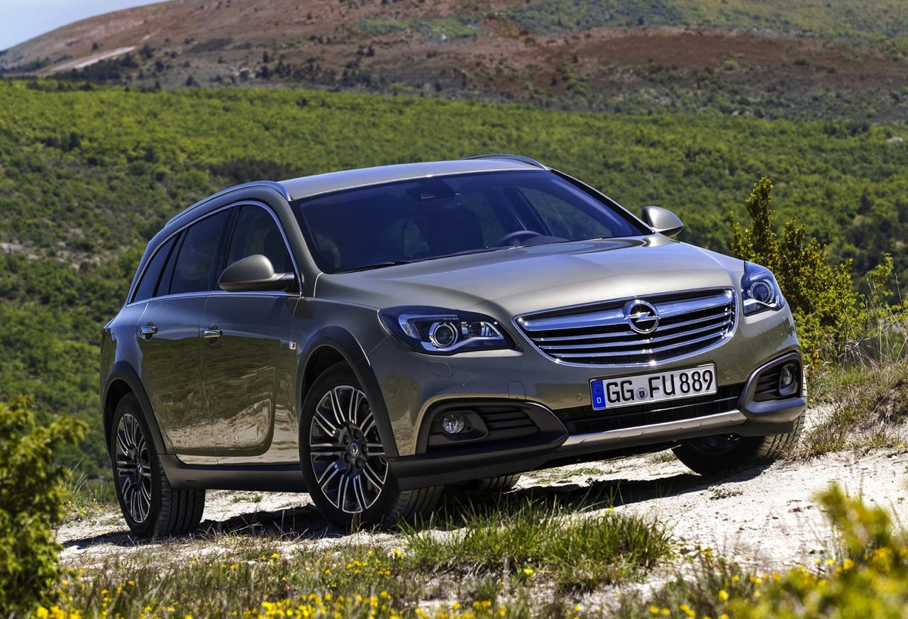 opel insignia country tourer revealed 4x4 and 20mm higher. Black Bedroom Furniture Sets. Home Design Ideas