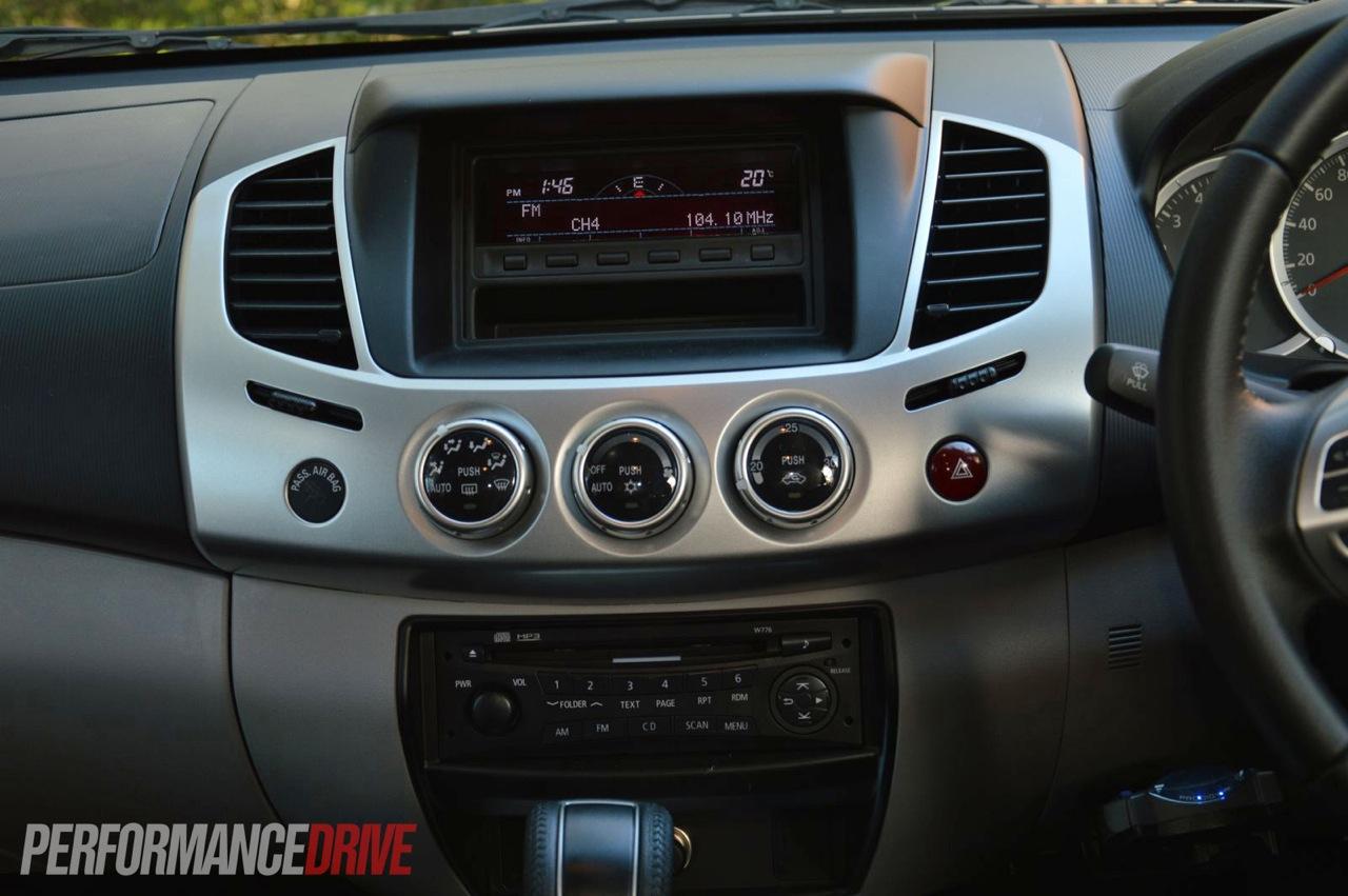 2013 Mitsubishi Triton Glx R Dash