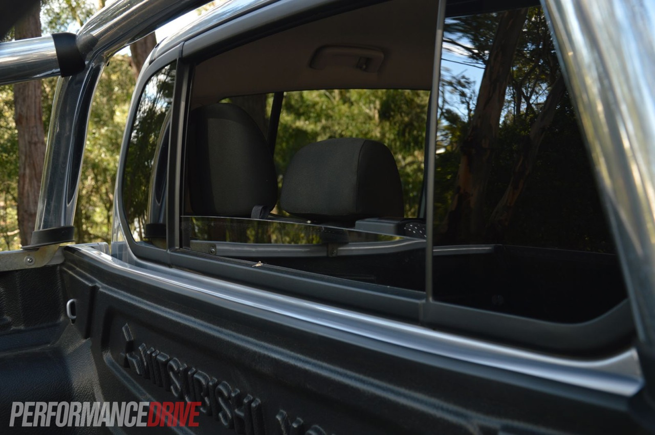 2013 Mitsubishi Triton GLX-R rear window