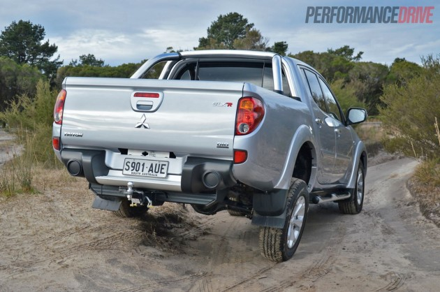 2013 Mitsubishi Triton GLX-R wheel travel
