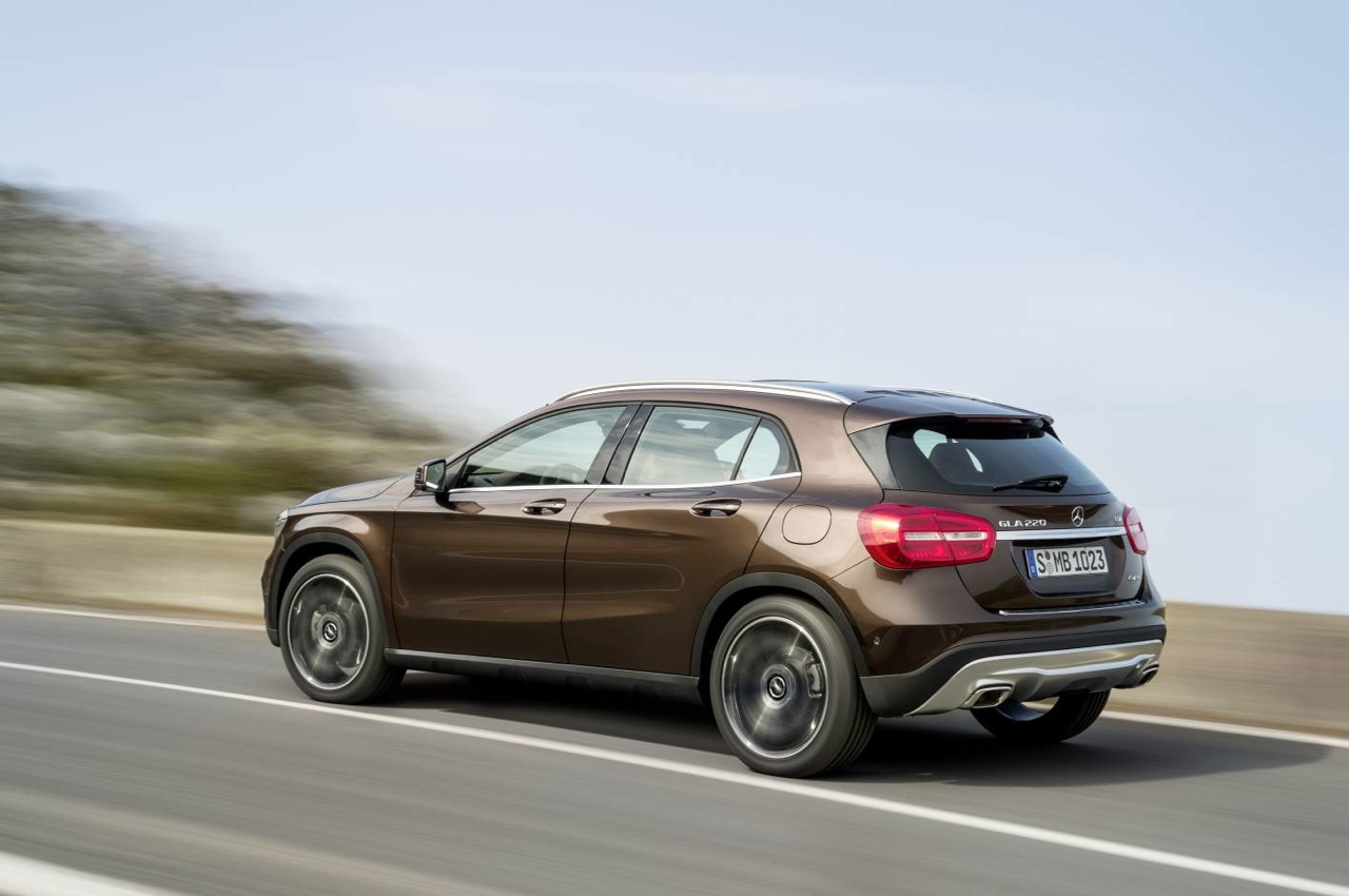 mercedes benz gla revealed arriving early 2014 performancedrive. Black Bedroom Furniture Sets. Home Design Ideas