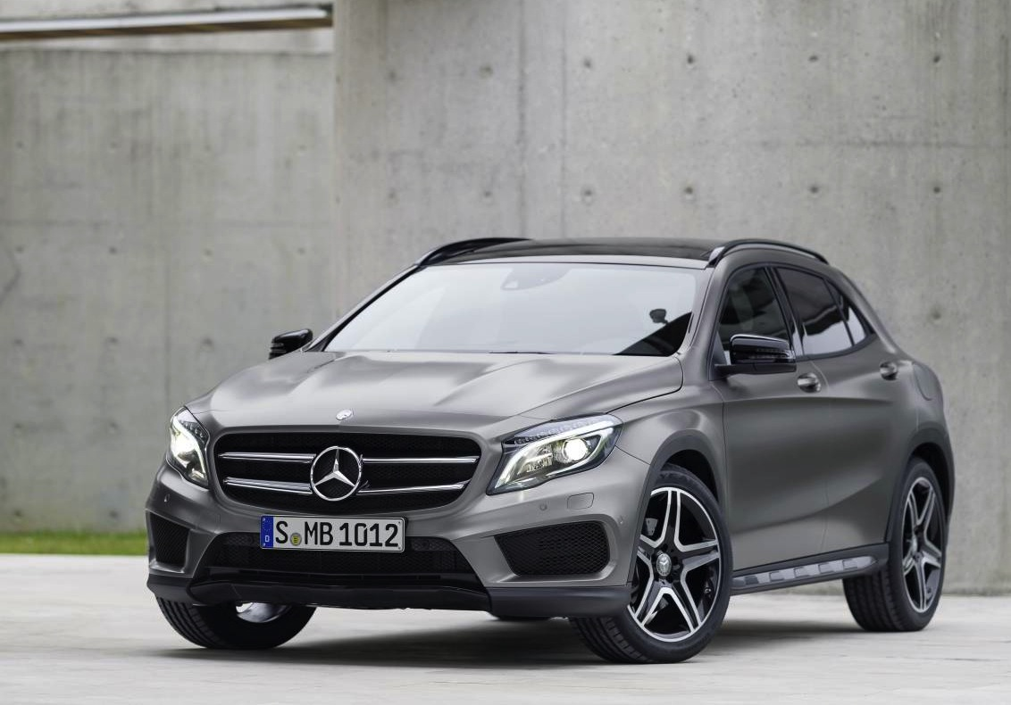 Mercedes benz gla revealed arriving early 2014 for Mercedes benz suv gla