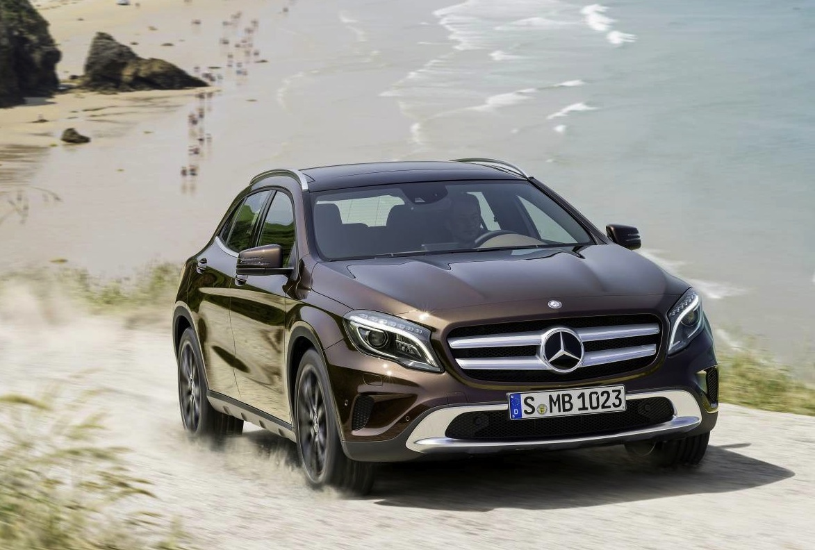 Mercedes benz gla revealed arriving early 2014 for Mercedes benz gla for sale