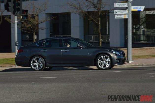 2013 Infiniti M30d S Premium driving-Canberra