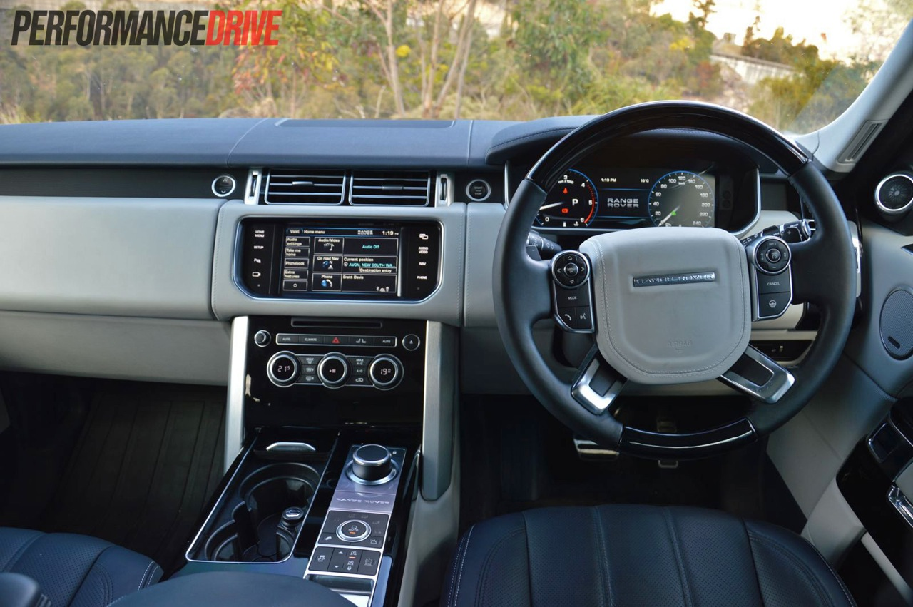 2013 Range Rover Vogue SE interior