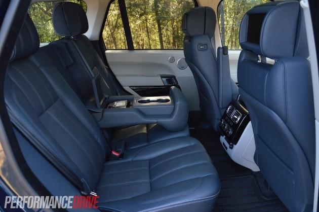 2013 Range Rover Vogue SE rear seats