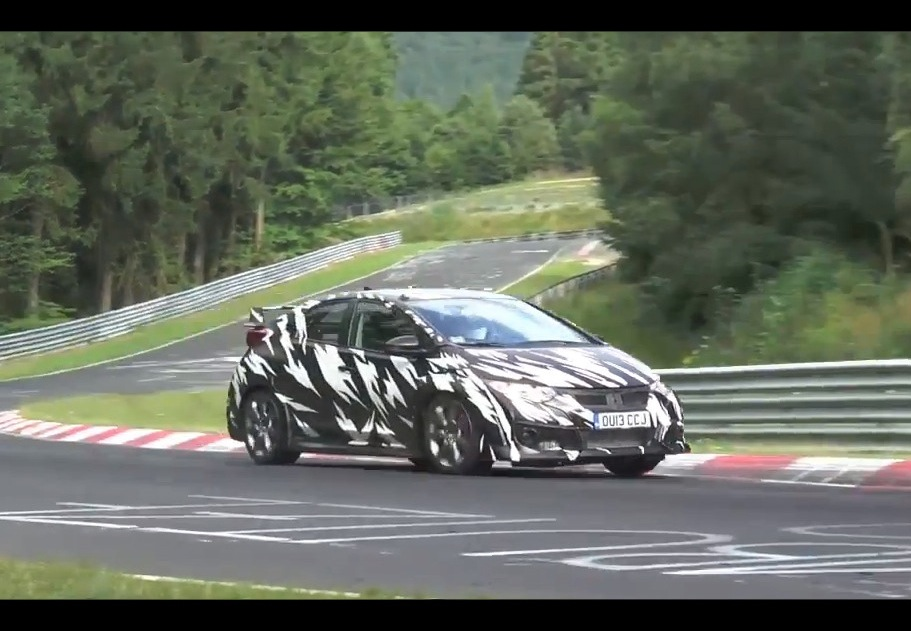 video 2015 honda civic type r prototype spied at. Black Bedroom Furniture Sets. Home Design Ideas