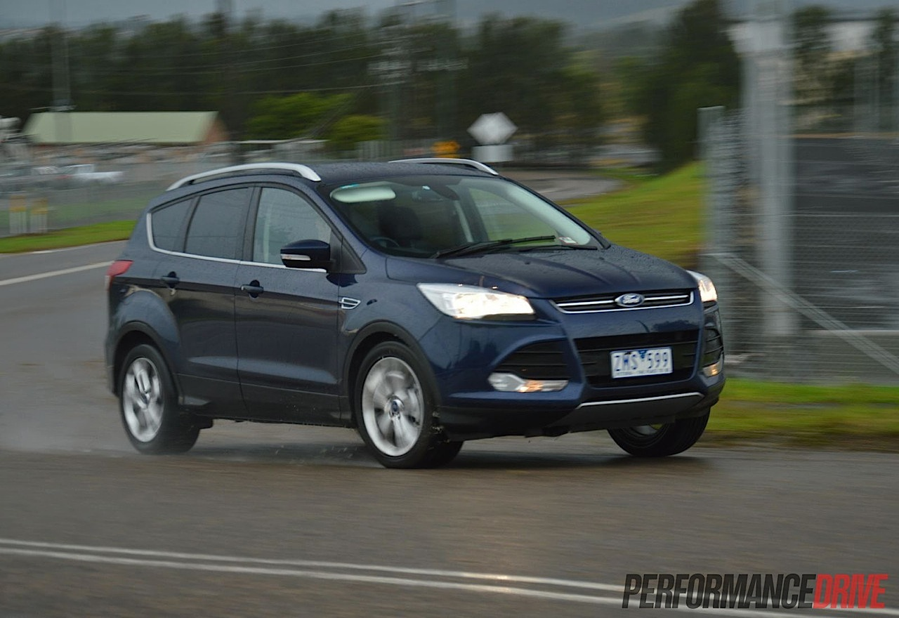 2013 ford kuga trend tdci review performancedrive. Black Bedroom Furniture Sets. Home Design Ideas