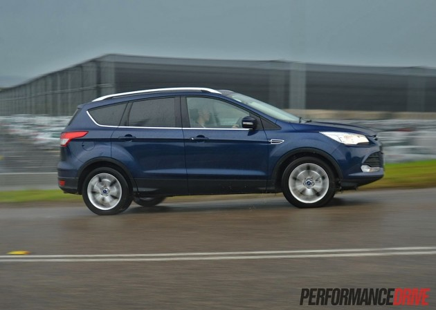 2013 Ford Kuga Trend side