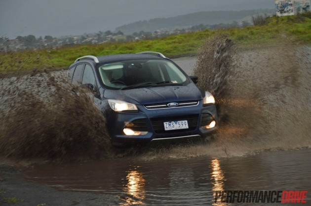 2013 Ford Kuga Trend water splash