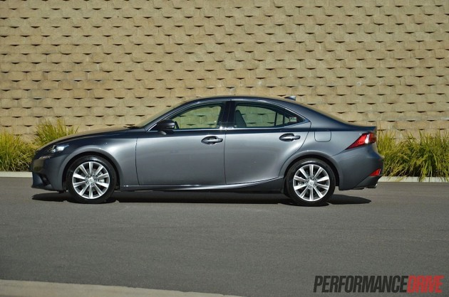2013 Lexus IS 250 Luxury side