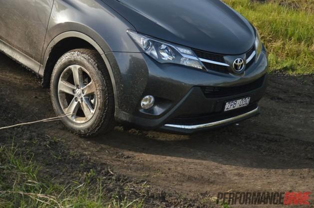 2013 Toyota RAV4 GXL approach angle