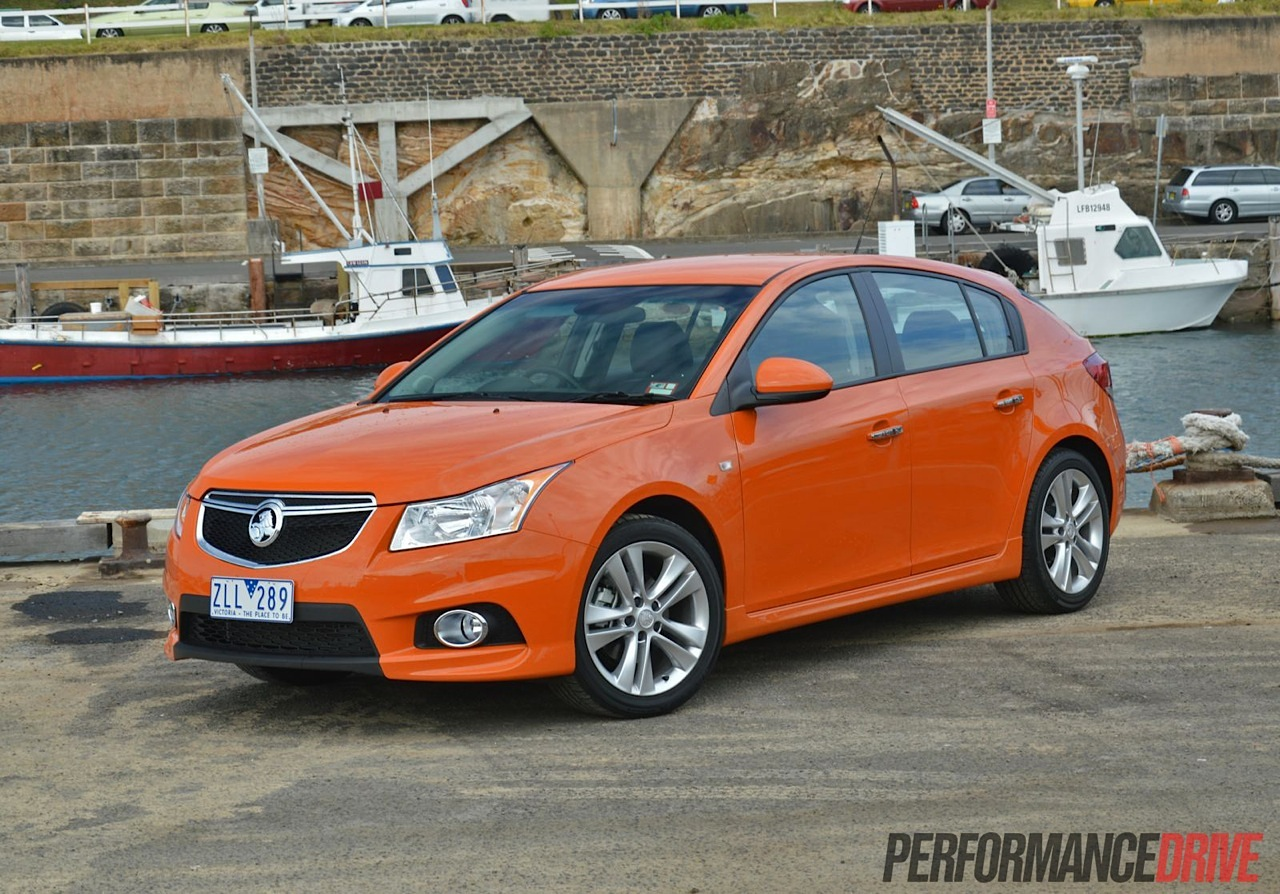 2014 holden cruze sri v review video performancedrive. Black Bedroom Furniture Sets. Home Design Ideas