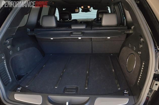 2014 jeep grand cherokee srt cargo space. Black Bedroom Furniture Sets. Home Design Ideas