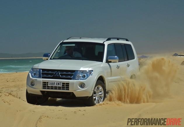 2014 Mitsubishi Pajero Exceed beach