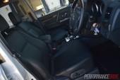 2014 Mitsubishi Pajero Exceed front seats