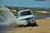 2014 Mitsubishi Pajero Exceed water crossing