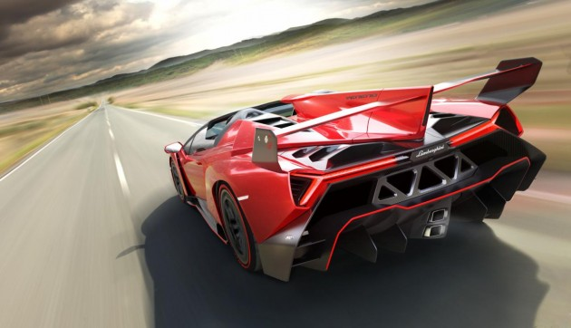 Lamborghini Veneno Roadster-rear wing