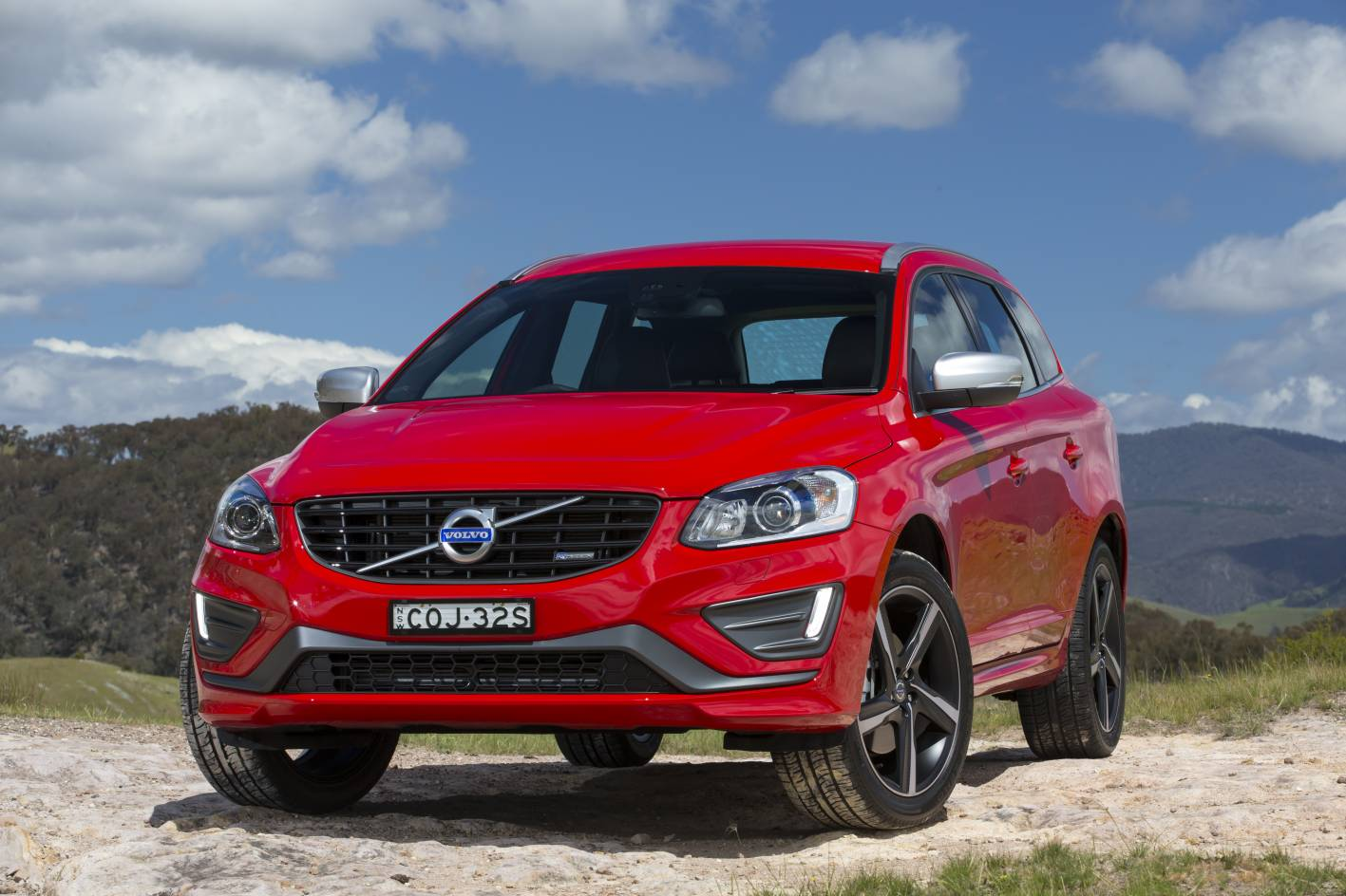 2013 volvo xc60 now on sale in australia from 58 990 performancedrive. Black Bedroom Furniture Sets. Home Design Ideas