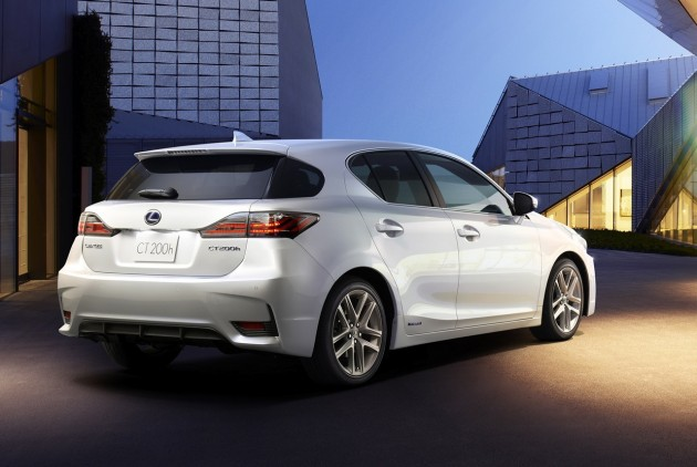 2014 Lexus CT 200h-rear