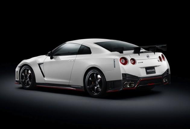 2014 Nismo Nissan GT-R rear