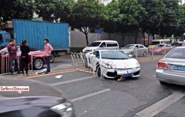 Lamborghini Gallardo LP550-2 Balboni-crash in China-2