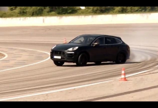 Porsche Macan drifting