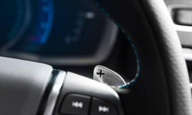 Volvo Polestar V60 maybe-paddle shifters