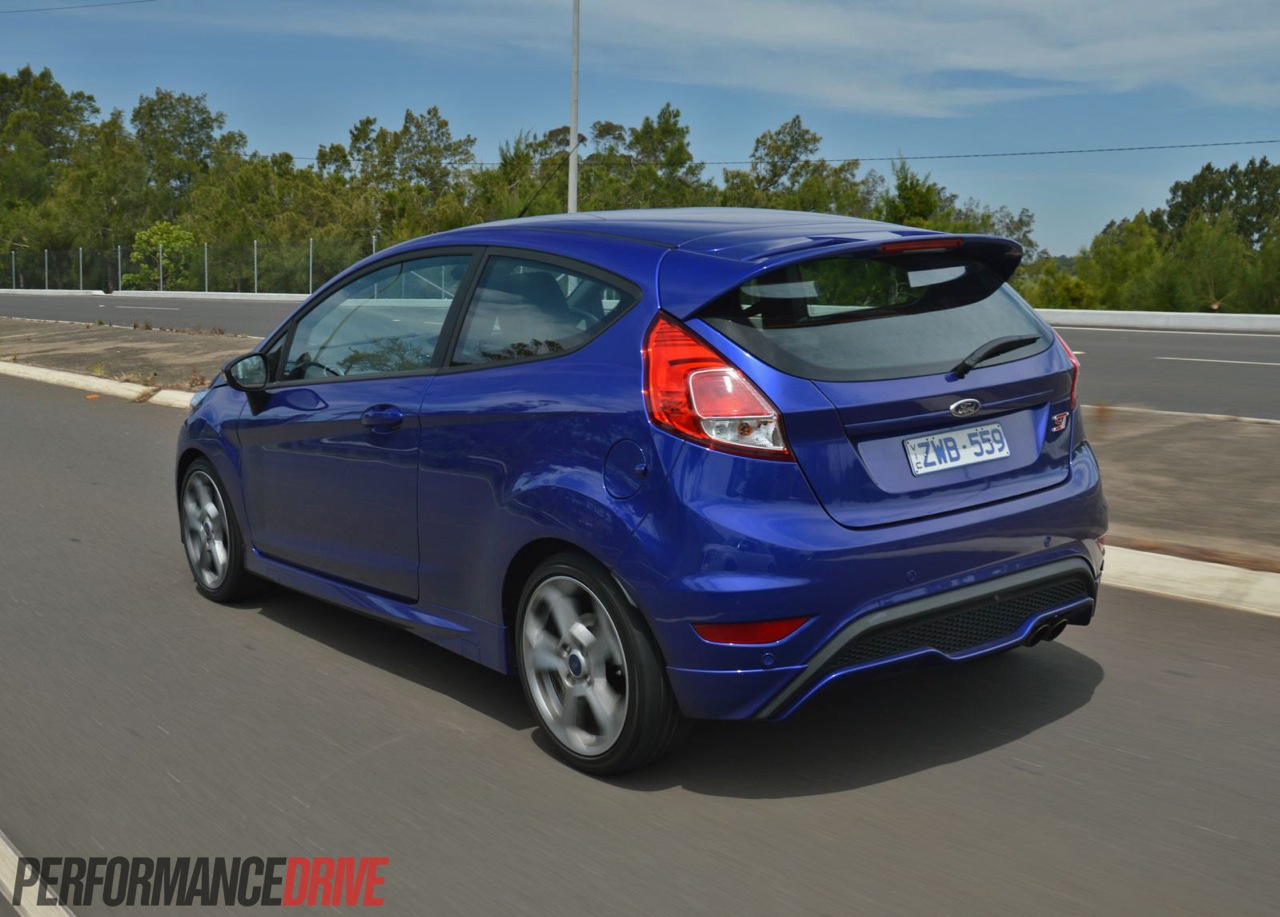 2013 ford fiesta st review video performancedrive. Black Bedroom Furniture Sets. Home Design Ideas