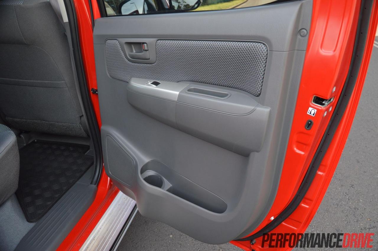 2013 Toyota HiLux SR5 rear door & 2013 Toyota HiLux SR5 rear door |