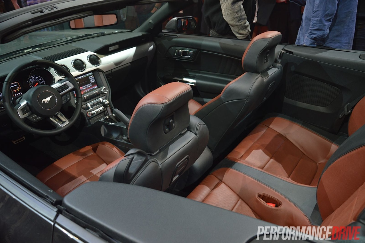 2015 ford mustang convertible unveiled in sydney for Ford mustang 2015 interior
