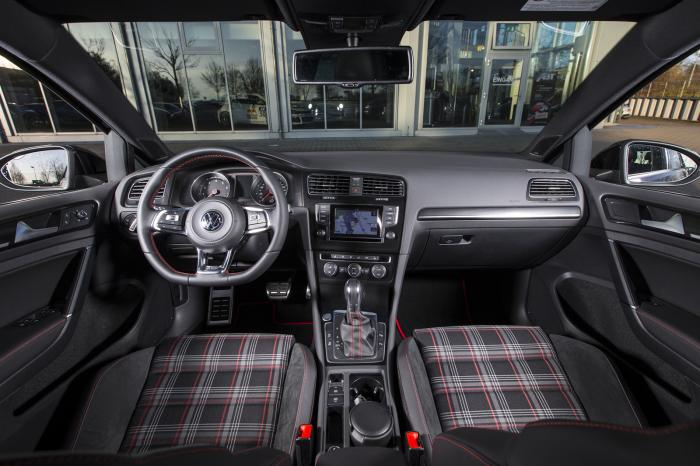 ABT Volkswagen Golf GTI Dark Edition Interior
