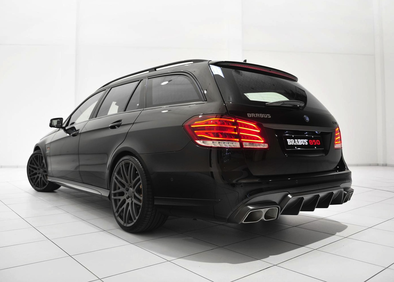 Brabus 850 6 0 biturbo mercedes benz e 63 amg rear for Mercedes benz 850